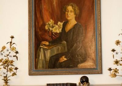 paintingWoman